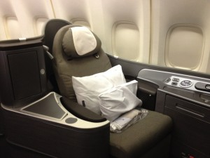United Airlines First Class Seat 747 Honolulu - Tokyo