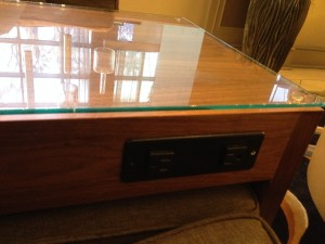 Power outlets on the side table