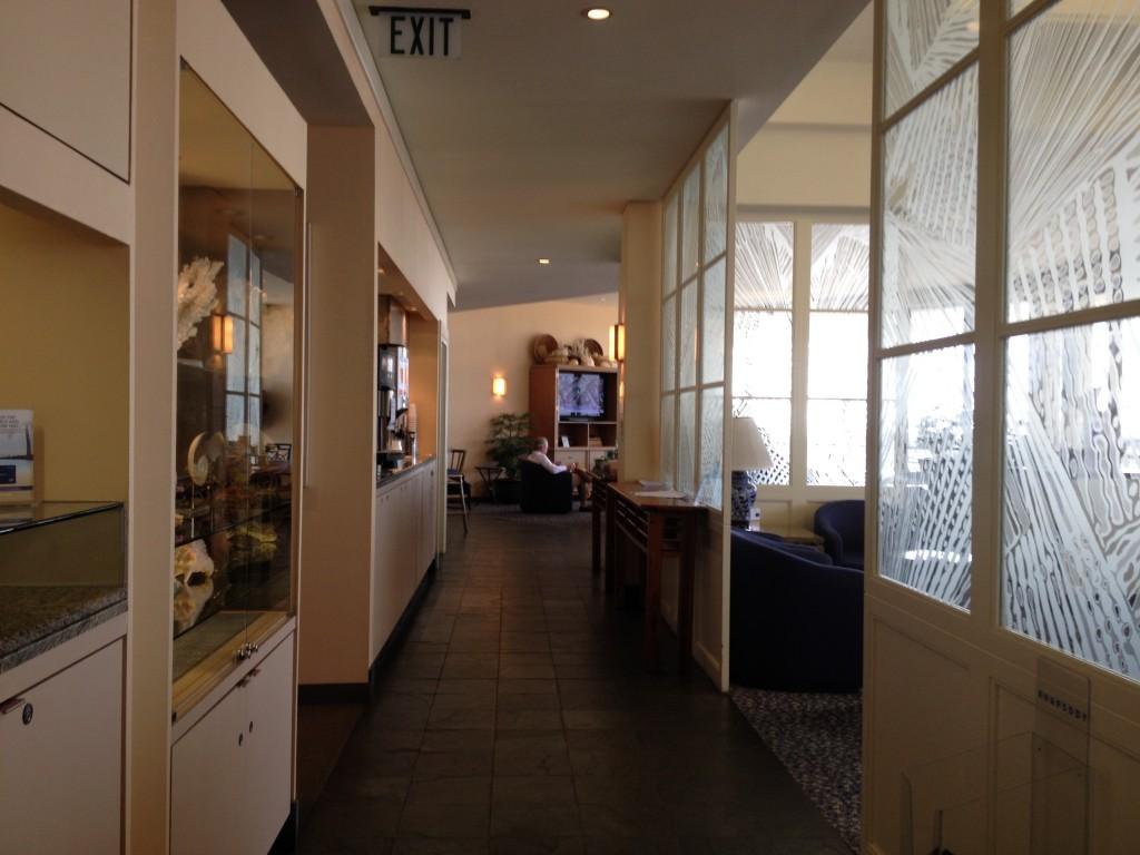 United Club Lounge Honolulu Airport