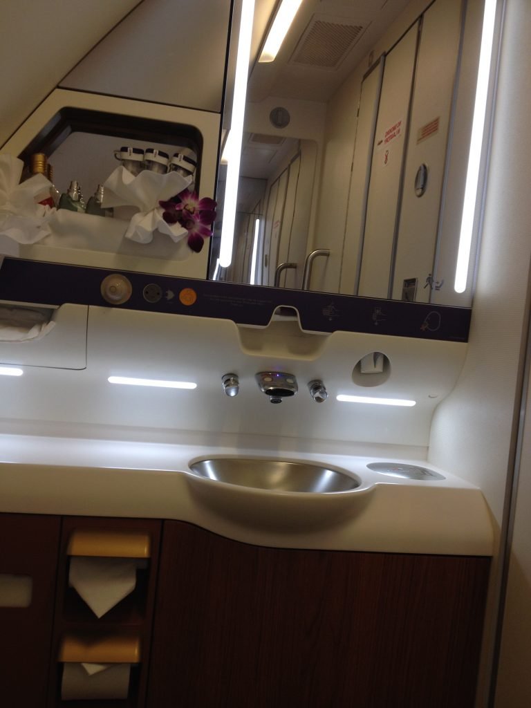 Secondary bathroom onboard the Thai Airways A380
