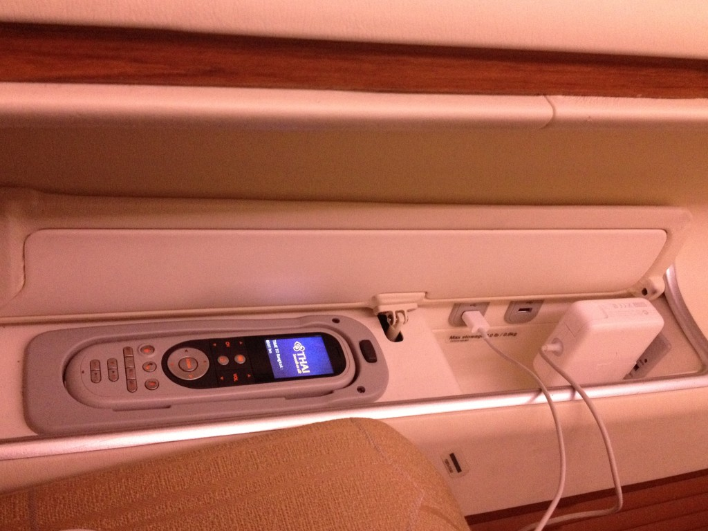 Thai Airways First Class A380 Outlets and USB Port