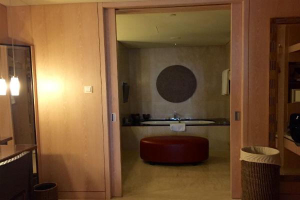 Conrad Suite Bathroom