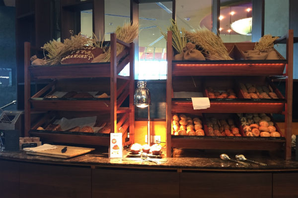 Bread selection at the Charles Lindbergh Restaurant Breakfast Buffet