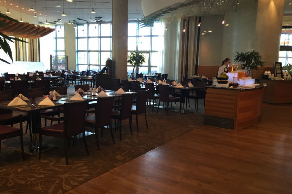 Dining Area Charles Lindbergh Restaurant at Hilton Munich Airport Hotel