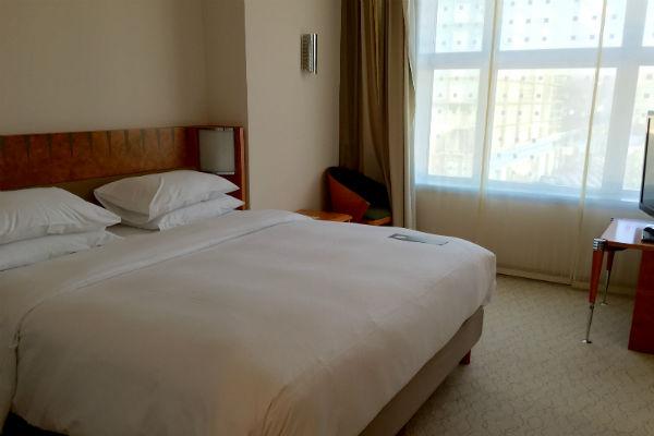 Hilton Munich Airport Hotel Junior Suite Bedroom