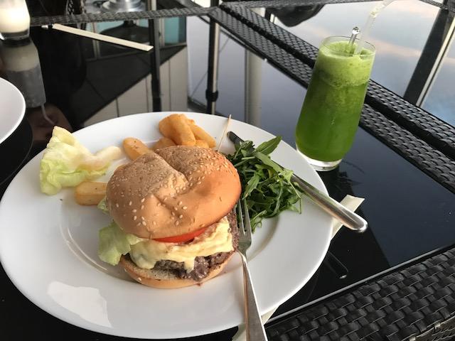 Hyatt Capital Gate Abu Dhabi Burger and Mint Lemonade at 18 Degrees